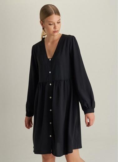 NGSTYLE Önden Düğmeli Rahat Kesim Elbise Siyah